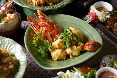 ห้องอาหารไทย ศาลาทิพย์ (Salathip Restaurant) โรงแรมแชงกรี-ลา กรุงเทพฯ