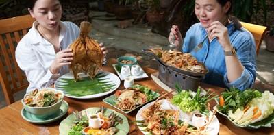 """""""ส้มตำยำเพลง"""" ร้านอาหารไทยในสวน ย่านสุขสวัสดิ์ รสแซ่บทะลุครก"""