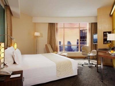 โรงแรมเซ็นทาราแกรนด์ (Centara Grand)