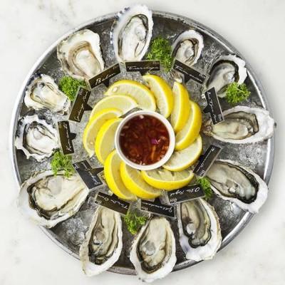 The Dock Seafood Bar เดอะเมซ