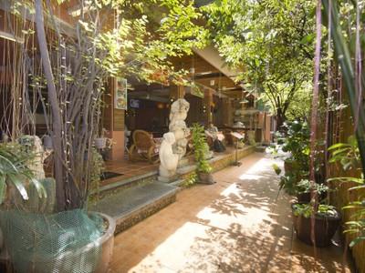ข้าวสารฮอลิเดย์ (Zen Rooms Khaosan Holiday)