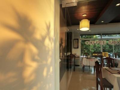 โรงแรมระพีพรรณวิลล์ (Rapeepan ville Hotel)