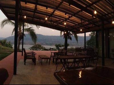 เรือนกะยอม (Kayom House-White Meranti House & Resort)