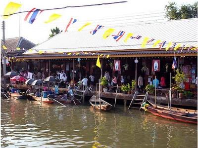 ฐณิชาฌ์รีสอร์ทอัมพวา (Thanicha Resort Amphawa)