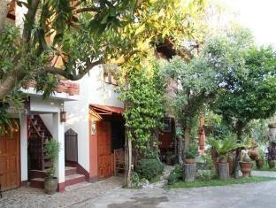 บ้านพักไม้หอม (Mai Hom Housing)