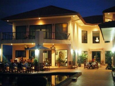 มุกดาหารเมเนอร์บีแอนด์บี (Mukdahan Manor B&B)