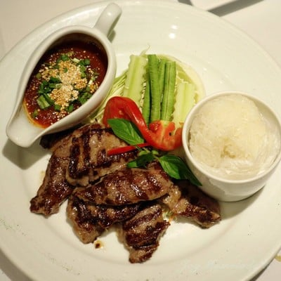 Sticky Rice with Grilled Striploin Beef served with Spicy Sauce