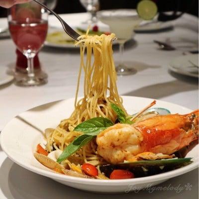 Spaghetti River Prawns and Ikura with Spicy White Wine