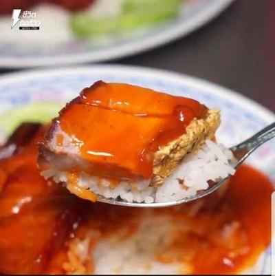 นายจิวหมูแดง-หมูกรอบ (tw crispy pork) นนทบุรี
