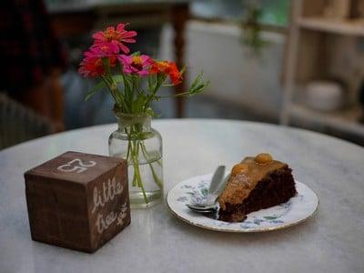 เค้กช็อกโกเลตแมคคาเดเมีย