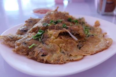 ปัญญ์ปลา-ธนวรรณ ผัดไทยหอยทอด