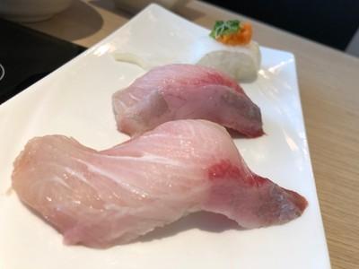 Hamachi Sushi ที่ ร้านอาหาร Shibuya Shabu ตึก FYI Center