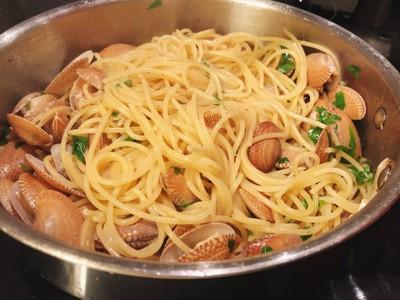 Spaghetti Vongole สูตรใส่แองโชวี่