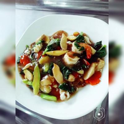 จ่าดำ หรอยเพ ทะเลเผา (Jardum Hroy Pae Seafood)