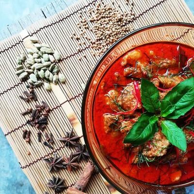 อาหารไทย แพนงเนื้อเตาถ่าน