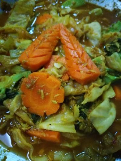 แกงส้มผักรวมทูน่า
