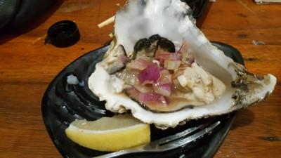 Four Boys Oysters (โฟร์ บอยส์ ออยเสตอร์) ช่างชุ่ย
