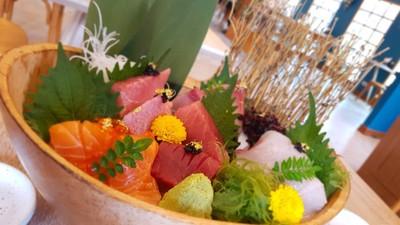 ซาซิมิเนื้อปลาดีต่อใจมากๆ