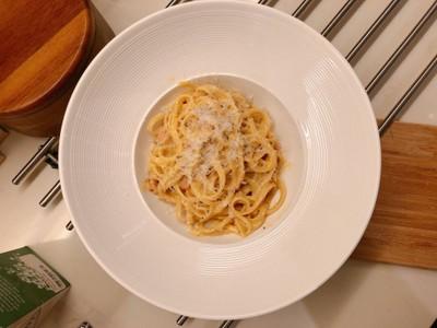 Pasta Carbonara สูตรครีมน้อย