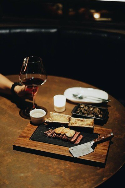 NONAME-Steaks Seafood Tapas