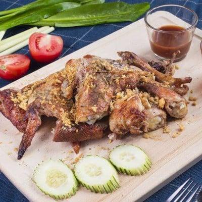 ไก่บ้านพริกไทยดำ ห้าแยกพลับพลาไชย