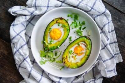 มื้อเช้าสุขภาพดี ไข่อบอะโวคาโด