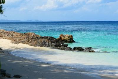 """พักกายพักใจที่เกาะสวรรค์ในไทย """" เกาะไม้ท่อน-ราชาใหญ่ """""""