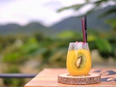 แก้วนี้มีทั้งความอร่อยและความสวยงาม ดีงามมาก มะม่วงชื่นใจมาก