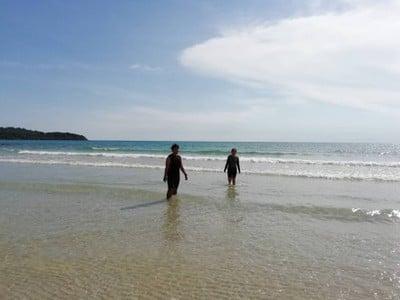 สระว่ายน้ำ/ชายหาด