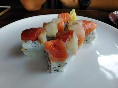 Japan Station Sushi Bar & Restaurant (เจแปน สเตชั่น)