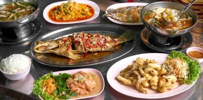 """[รีวิว] """"ชัยโภชนา"""" ร้านอาหารไทยสุดครบเครื่อง พร้อมเสิร์ฟกว่า 153 เมนู!"""