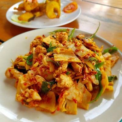 ร้านอาหารหมอชู (Moh Choo Restaurant)