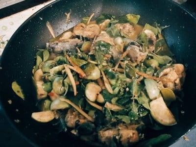 ผัดเผ็ดปลาดุกพริกสด
