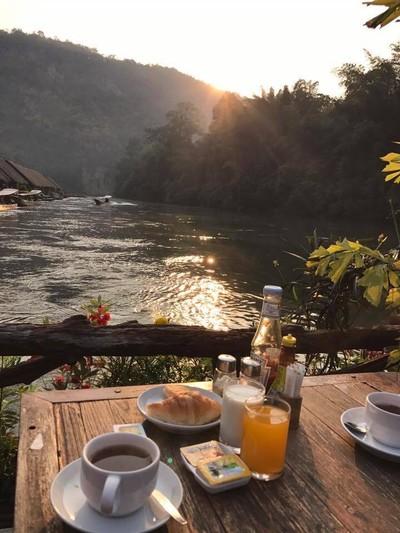 เรือนแพ ริเวอร์แคว จังเกิลราฟท์ (River Kwai Jungle Rafts)