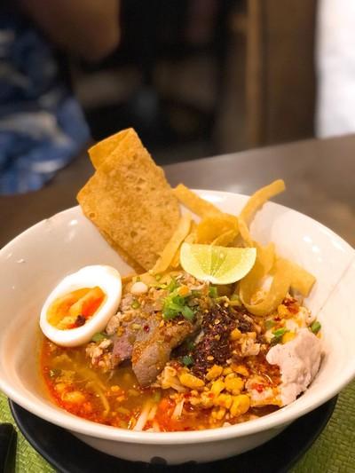 Eat Pot เกาเหลาหม้อไฟ เนื้อตุ๋น หมูตุ๋น Central Grand Rama 9