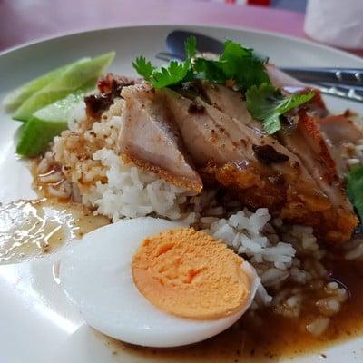 ครัวรัตนา (Rattana Kitchen) ศาลายา