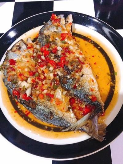 ปลาทูราดพริก(สูตรน้ำจิ้มไก่)