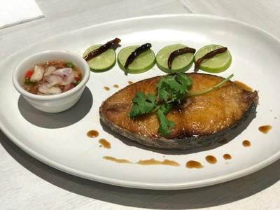 ปลาอินทรีย์อ่าวไทยทอดน้ำปลา