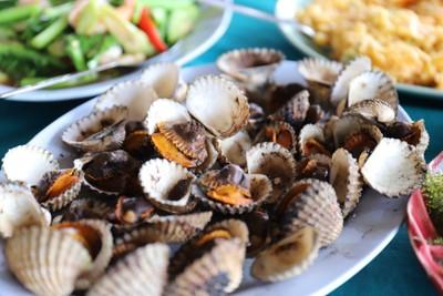 แหลมทราย ซีฟู้ด (Laem Sai Seafood)