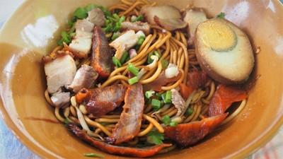 ก๋วยจั๊บเจ๊ต๊อกเบตง หัวสะพาน (Chinese Roll Noodle Soup)