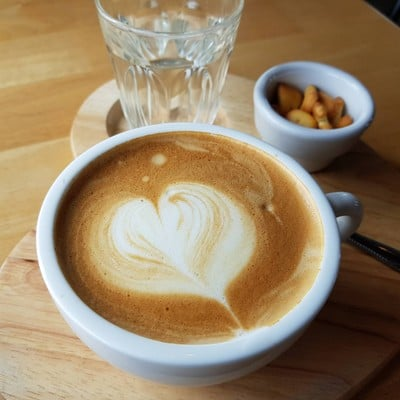 Love Cups Cafe (Love Cups Cafe) เลิฟคัพส์ คาเฟ่