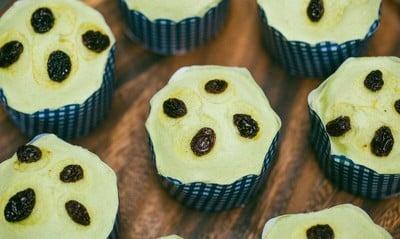 Thai Pandan Sponge Cakeขนมสาลี่ใบเตย  (Thai Pandan Sponge Cake)