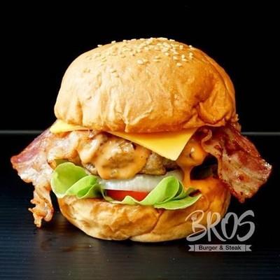 Bros Burger & Steak (บรอส เบอร์เกอร์ แอนด์ สเต็ก) ฟู้ดทรัค