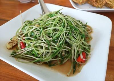 ครัวม่อนไข่ (Krua Mon Khai)