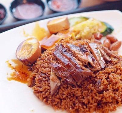 ผลการค้นหารูปภาพสำหรับ ข้าวหน้าเป็ด (Roasted Duck Fried Rice) สิงคโปร์