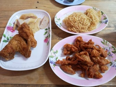 น่องไก่ทอด & ปีกไก่ทอด