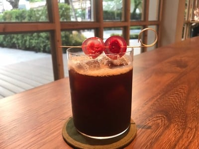 Bloomberry Cold Brew ที่ ร้านอาหาร Roots at Sathon