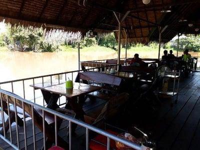 ร้านอาหารแพขุนวัง (Phae Khun Wang Restaurant)