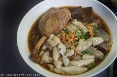 ก๋วยเตี๋ยวเป็ดไส้แก้ว (Saikaew Duck Noodle) บางจาก