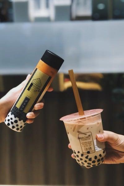 Brown Café ブラウン (บราวน์ คาเฟ่) เมกะบางนา